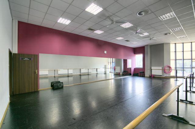 Sala Fioletowa - Jagielski Dance Project Szkoła tańca wynajem sal w Toruniu