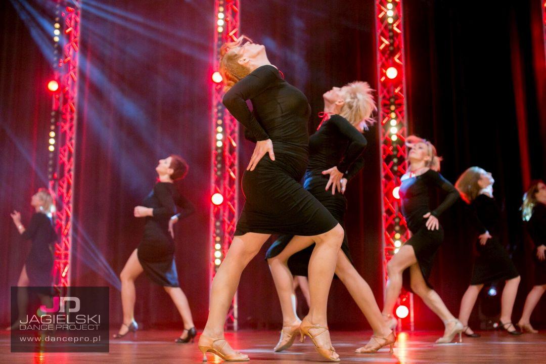 salsa solo bachata taniec dla kobiet szkoła tańca Jagielski Dance Project Toruń
