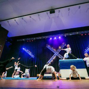 Akrobatyka - zajęcia dla młodzieży w wieku 12-15 lat. Taniec w Jagielski Dance Project