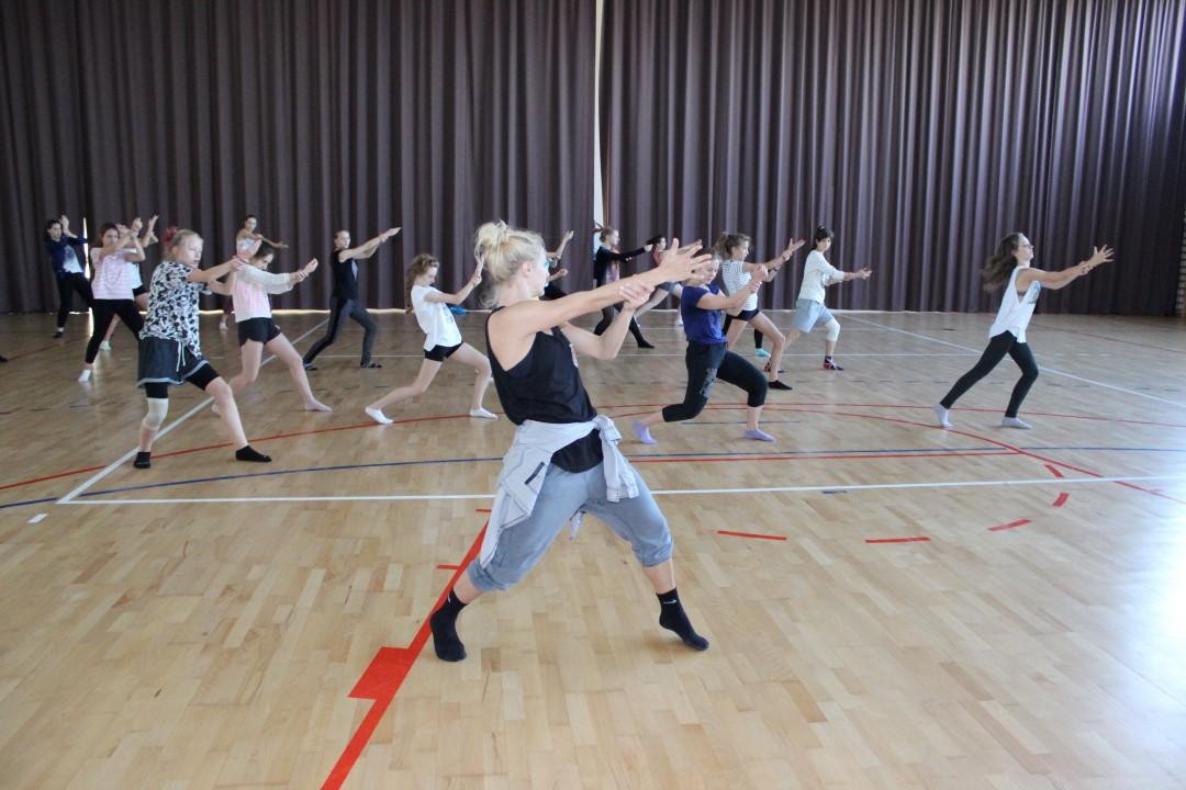 Hip Hop - zajęcia dla młodzieży w wieku 12-15 lat. Taniec w Jagielski Dance Project