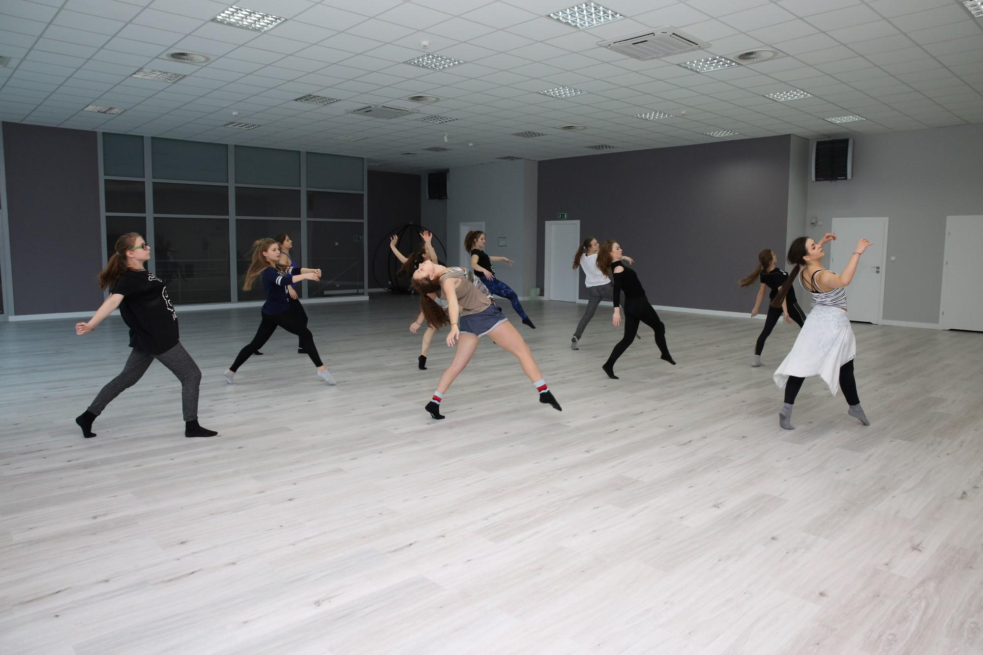 Jazz dla młodzieży w wieku 12-15 lat. Taniec w Jagielski Dance Project