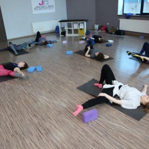 stretching zajęcia szkoła tańca Jagielski Dance Project Toruń (1)