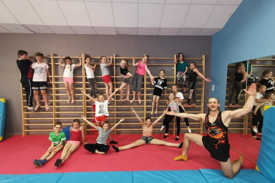 Szkoła-tańca-Jagielski-Dance-Project-taniec-i-akrobatyka2